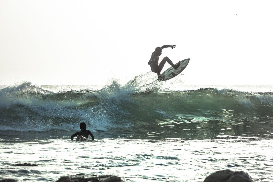 Surfer im Meer