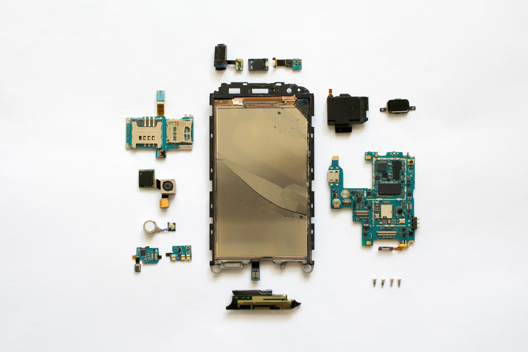 Zerlegtes kaputtes Handy