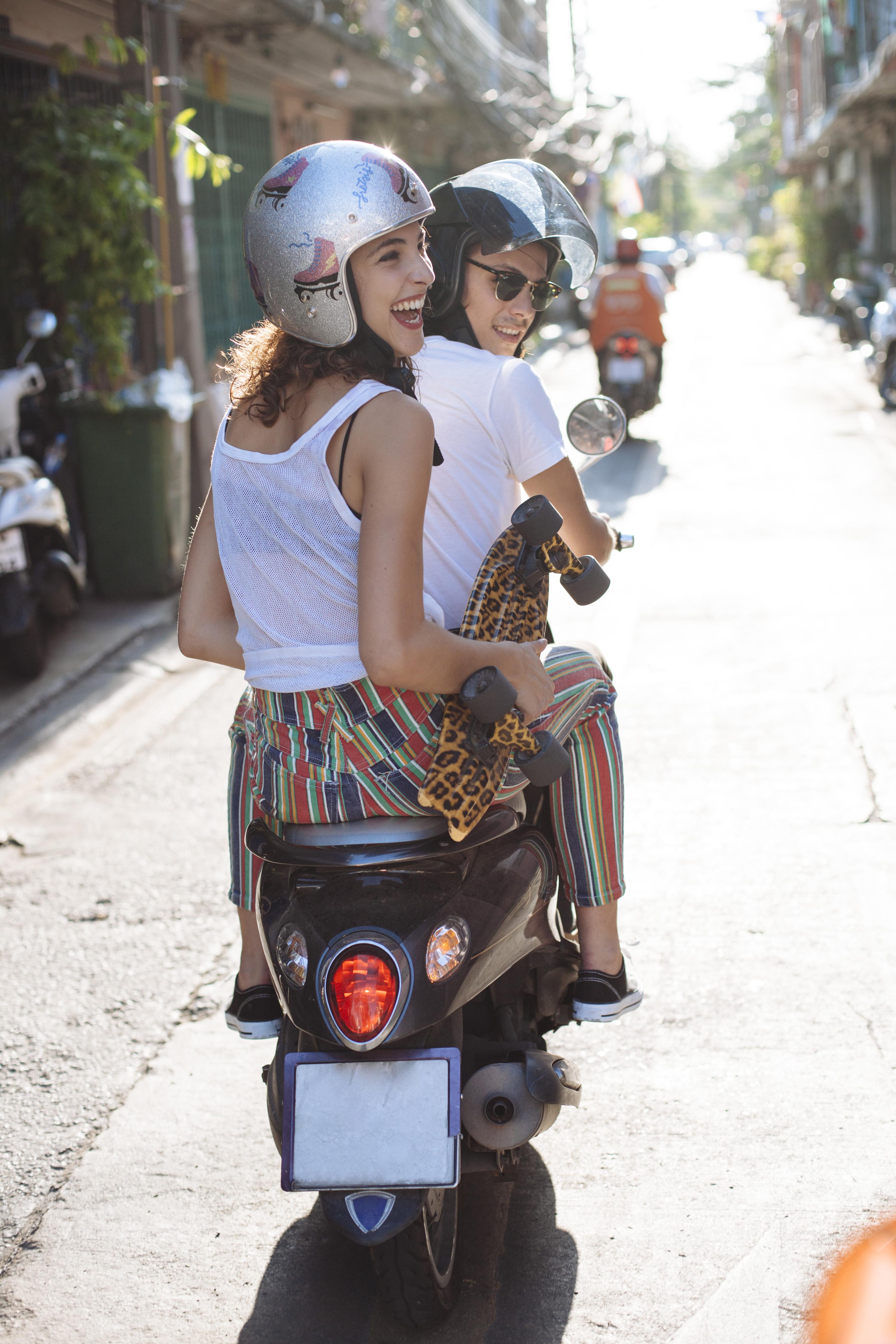 Pärchen auf Motorroller